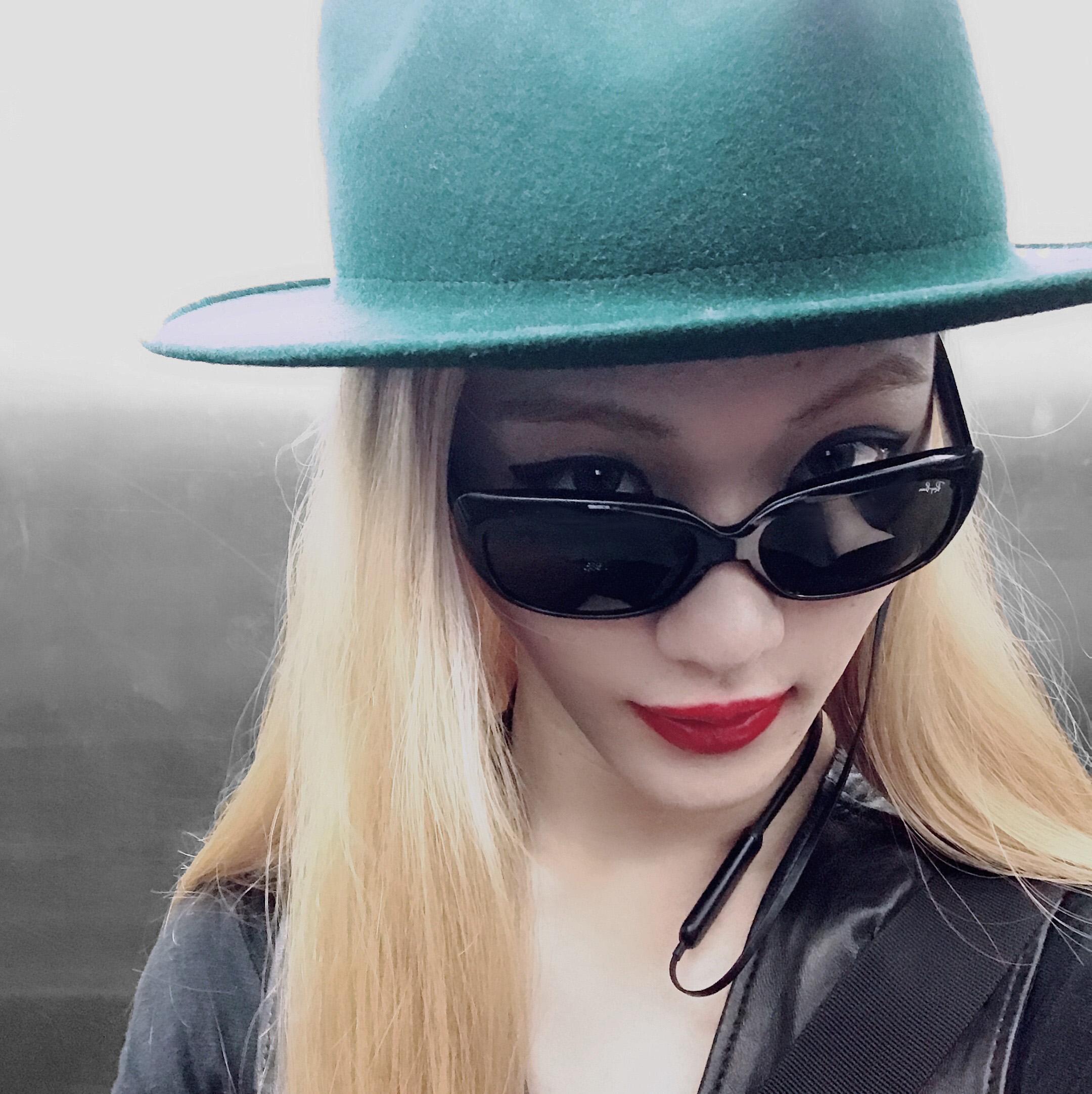 大きな帽子